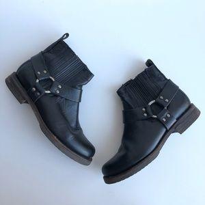 FRYE Phillip Harness Short Black Boots Leather Zip